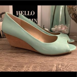 Sole Society Mint Green Wedge Sandal 7
